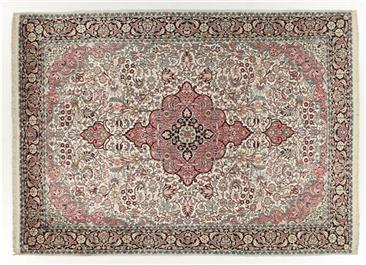 Srinagar stale indian Carpet with a persian inspiration